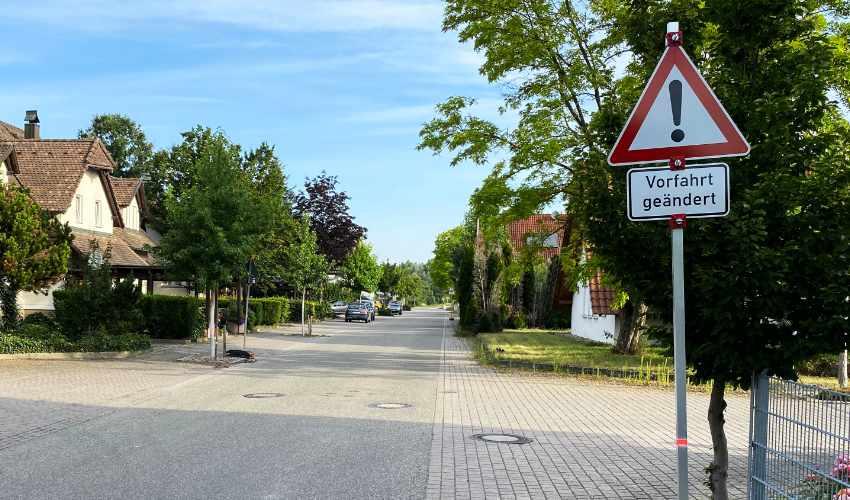 Geänderte Vorfahrtsregelung am Stockplatzweg