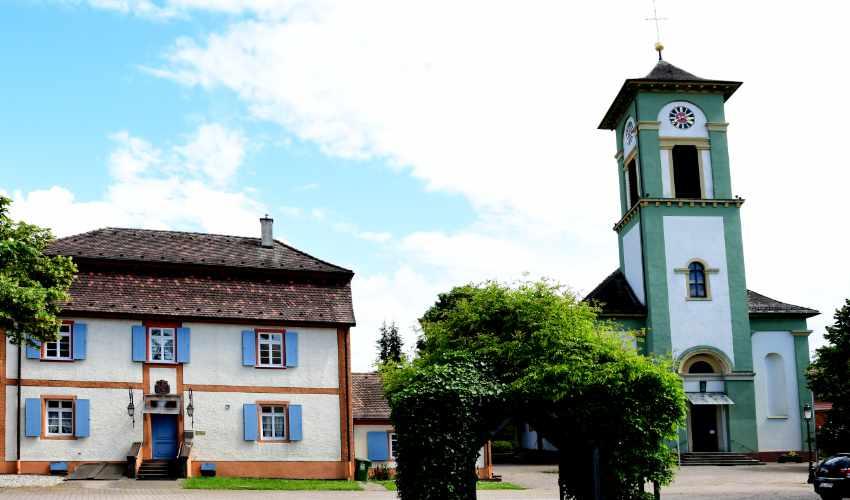 St. Laurentius Kirche Kürzell