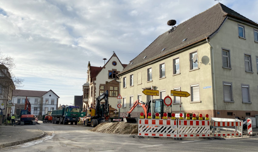 Kürzell Bauearbeiten vor dem Rathaus